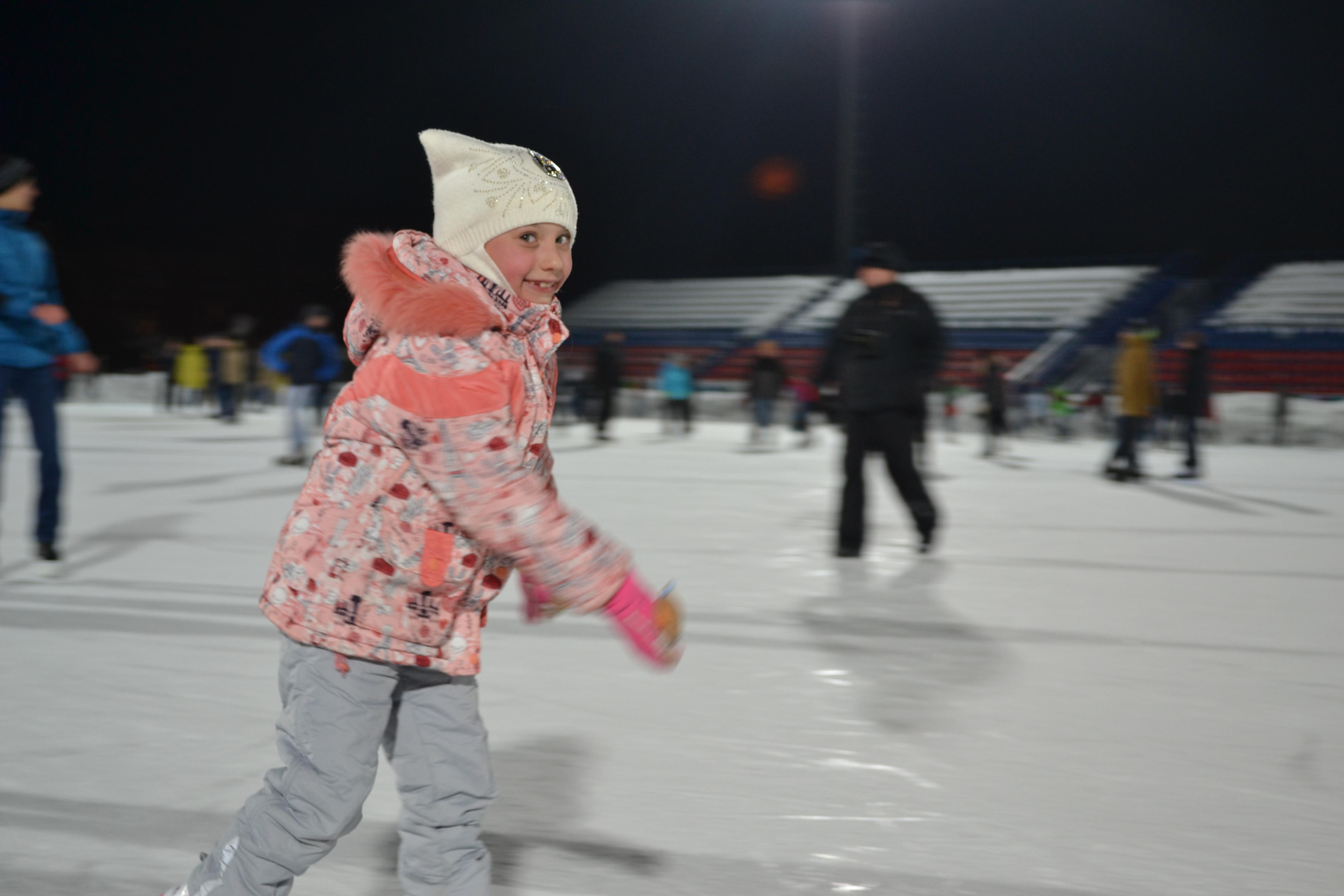 2017 5 7 вечер на коньках3 - Оренбург осваивает коньки