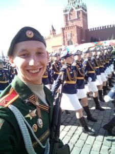2 глав - По Красной площади - в парадном строю