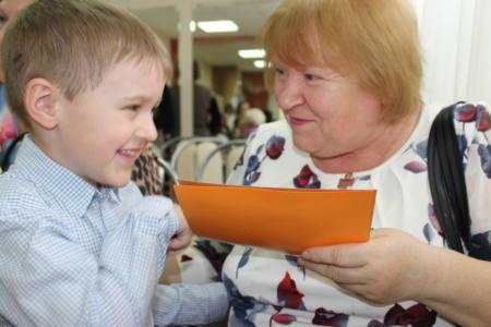 6 колонка новая - Бабушки рядышком с внуками!