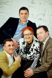 4 веккер с мамой и братьями - «Всегда в нашей памяти!»