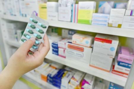 лекарства - За лекарствами в аптеку или в магазин?