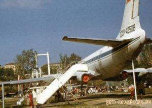 самолет 2 300x212 - самолет-2