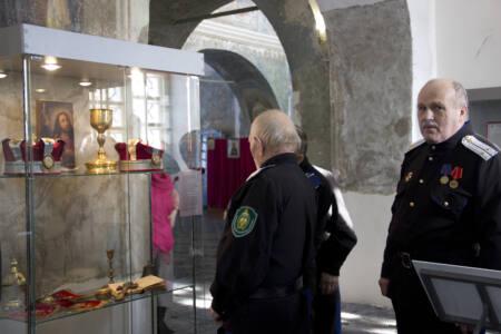 17 глав - Музей открылся прямо в церкви