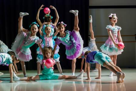 8 глав - За билетом на балет