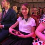 Гачик с медалью 150x150 - Выпускников отметилиза отличную учебу