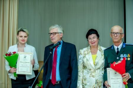 Qph1CBU3gNw - За лучшими книгами -на сайт премии Рычкова