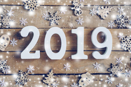 Christmas Wood planks 2019 Snowflakes Snow 556716 5616x3744 scaled - Чем запомнился 2019 год?