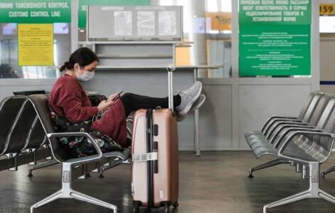 2 глав 1 - Туристы за границуне спешат